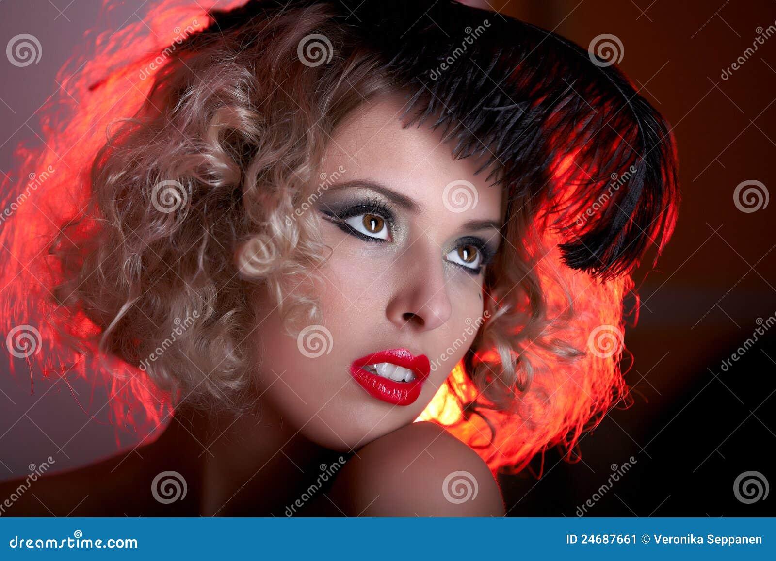 Wijnoogst gestileerd portret van mooie vrouw stock afbeelding afbeelding 24687661 - Wijnoogst ...