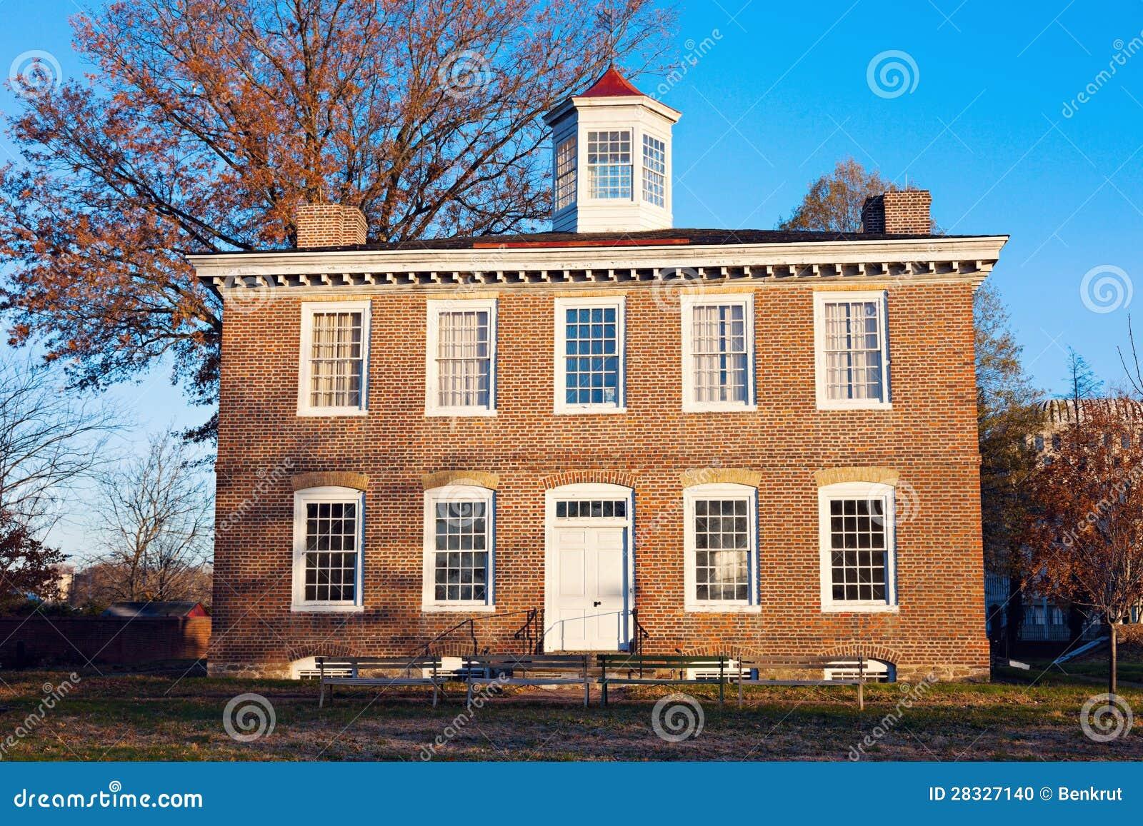 William Trent dom