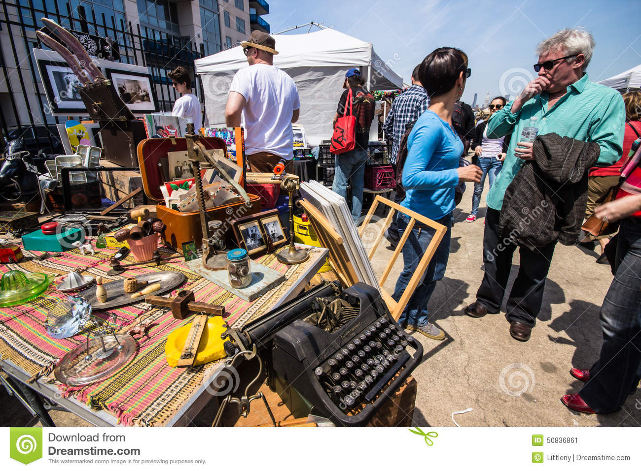 Williamsburg brooklyn flea market editorial photo image - Market place at garden state park ...