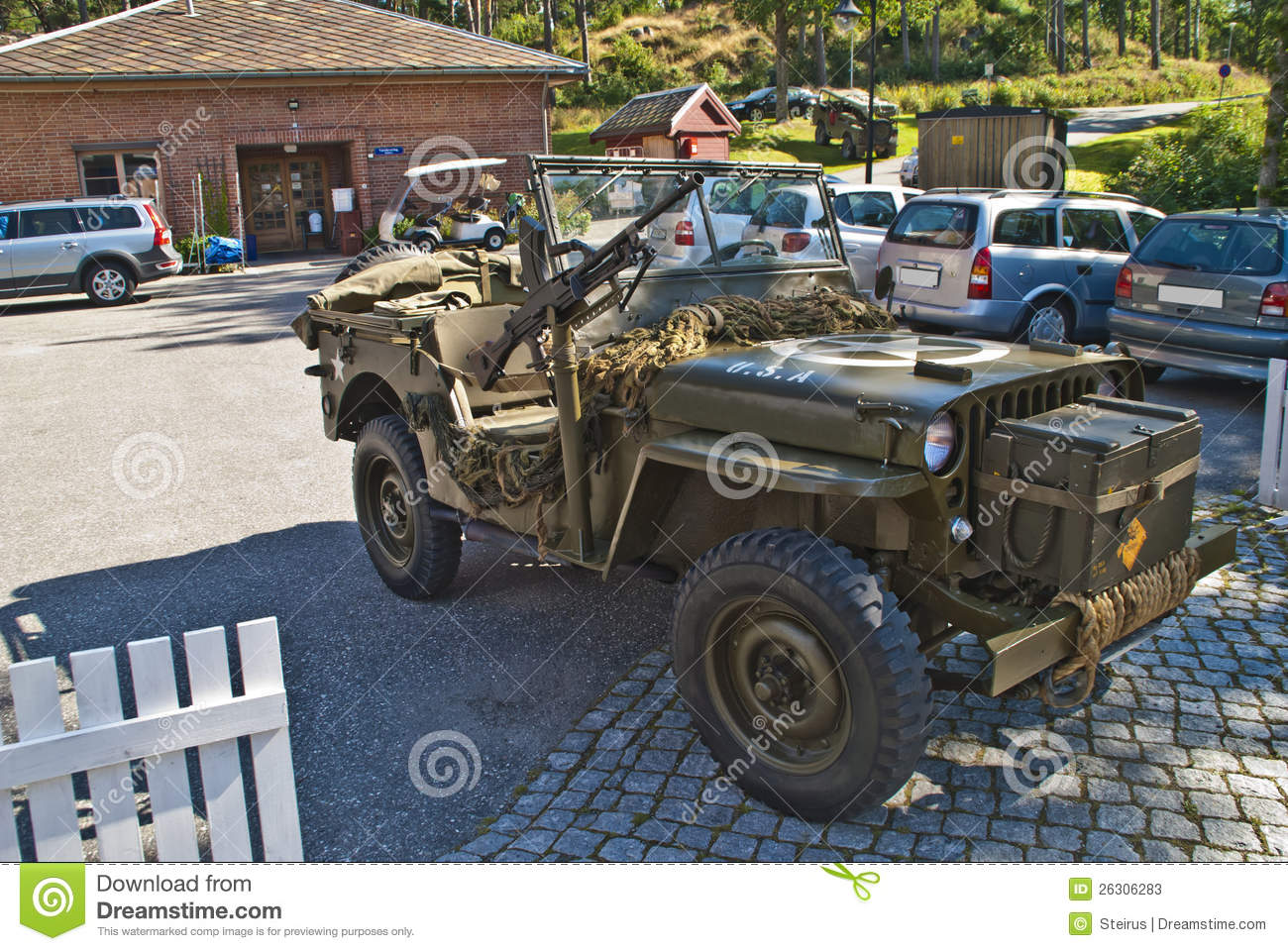 jeep with machine gun