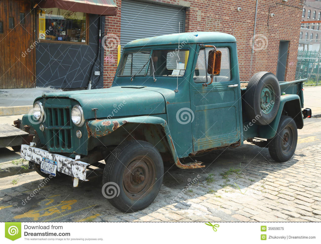 1947 Jeep Truck >> 1953 Willys Jeep Truck In Brooklyn Editorial Image - Image: 35659075