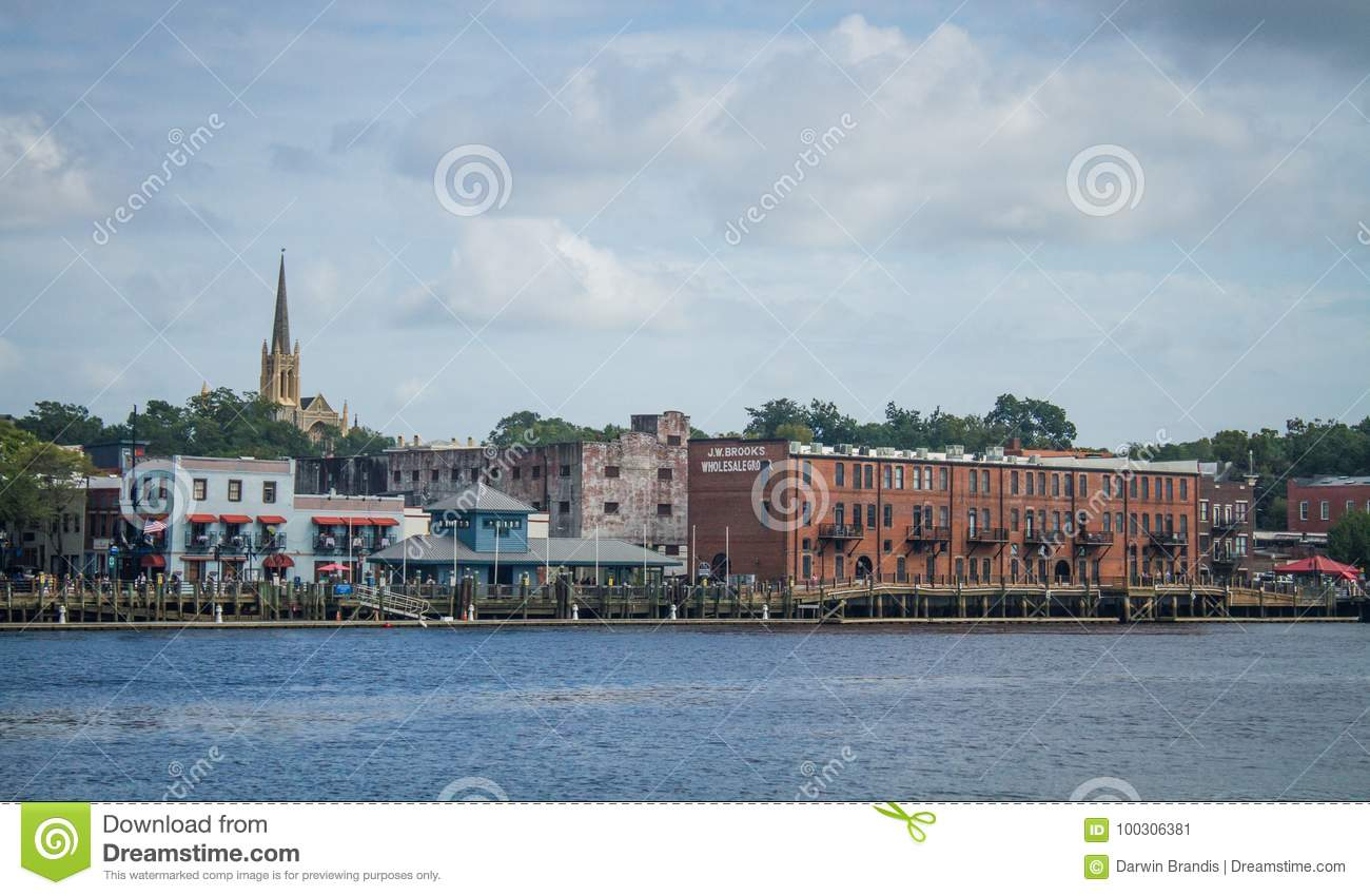 Wilmington, NC, Riverfront editorial photo. Image of city ... on map of historic southport nc, map of historic downtown new bern nc, map of historic downtown huntsville al,