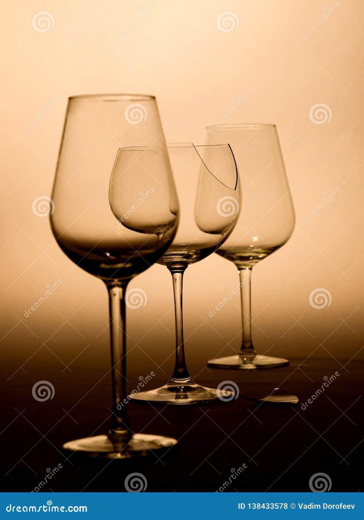 Win szkła w brązów brzmieniach