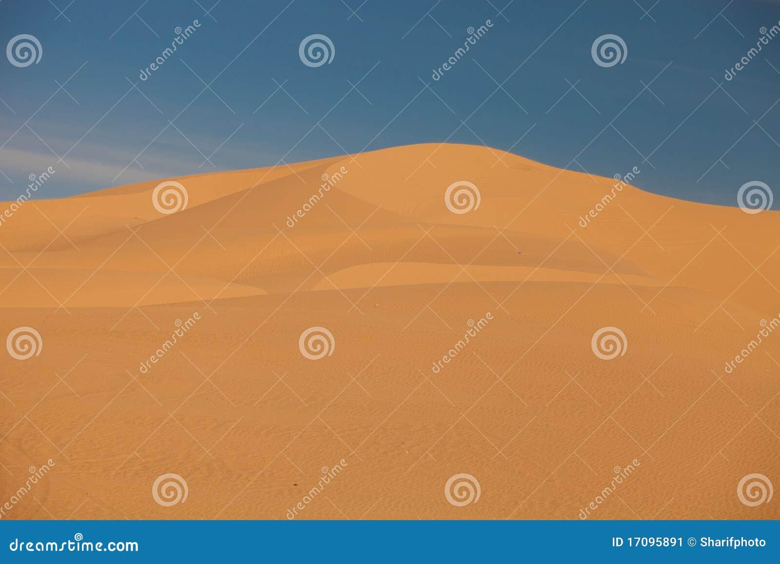 Wind-gebildete Sanddünen