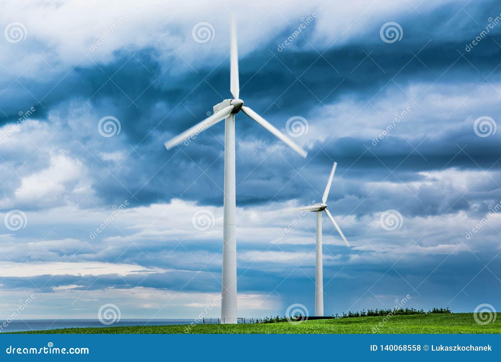Windlandbouwbedrijven in Schotland - de windturbines verstrekken elektriciteits groene energie voor huishoudens in het UK