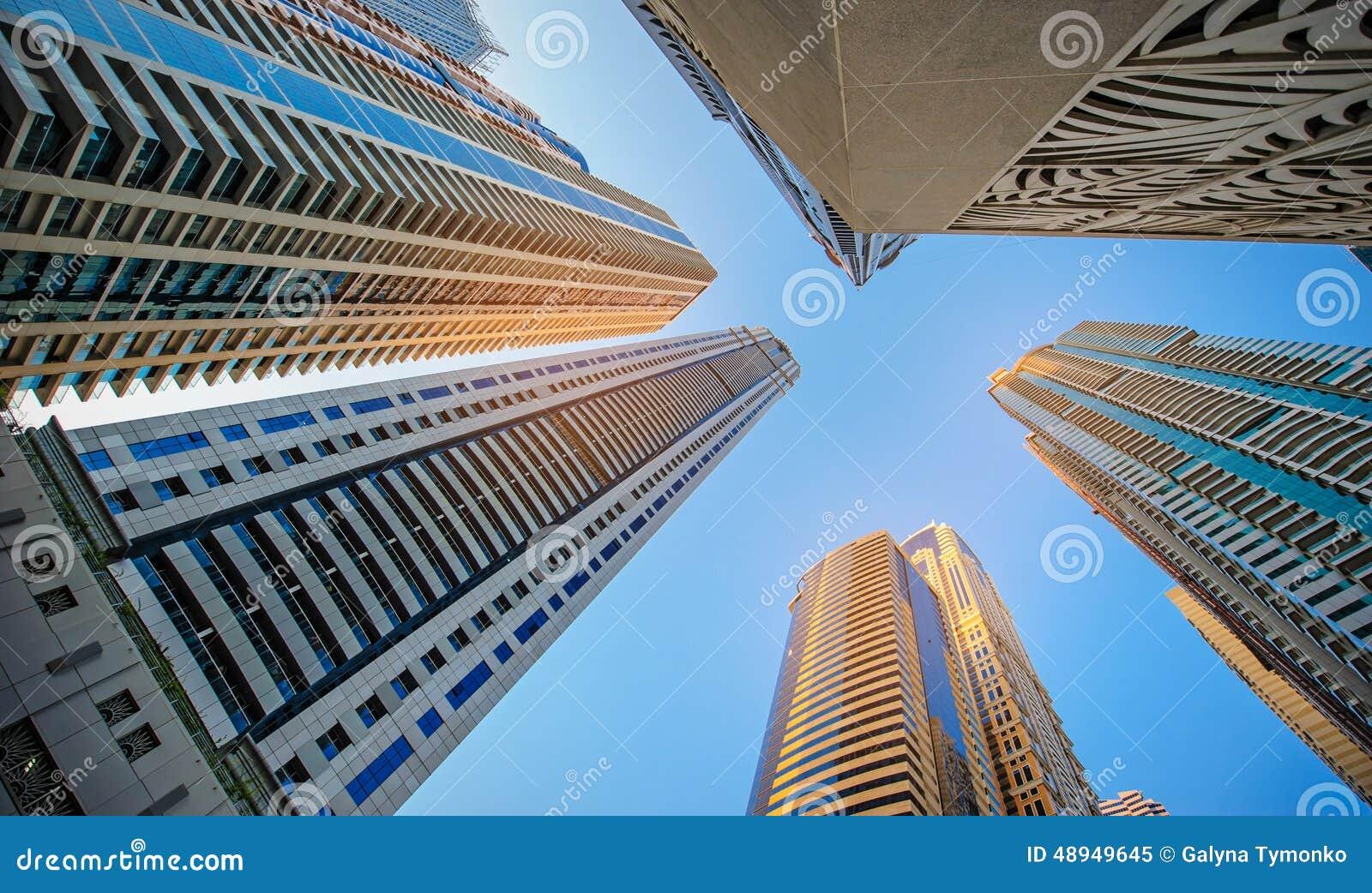 Windows офиса небоскреба, корпоративного здания