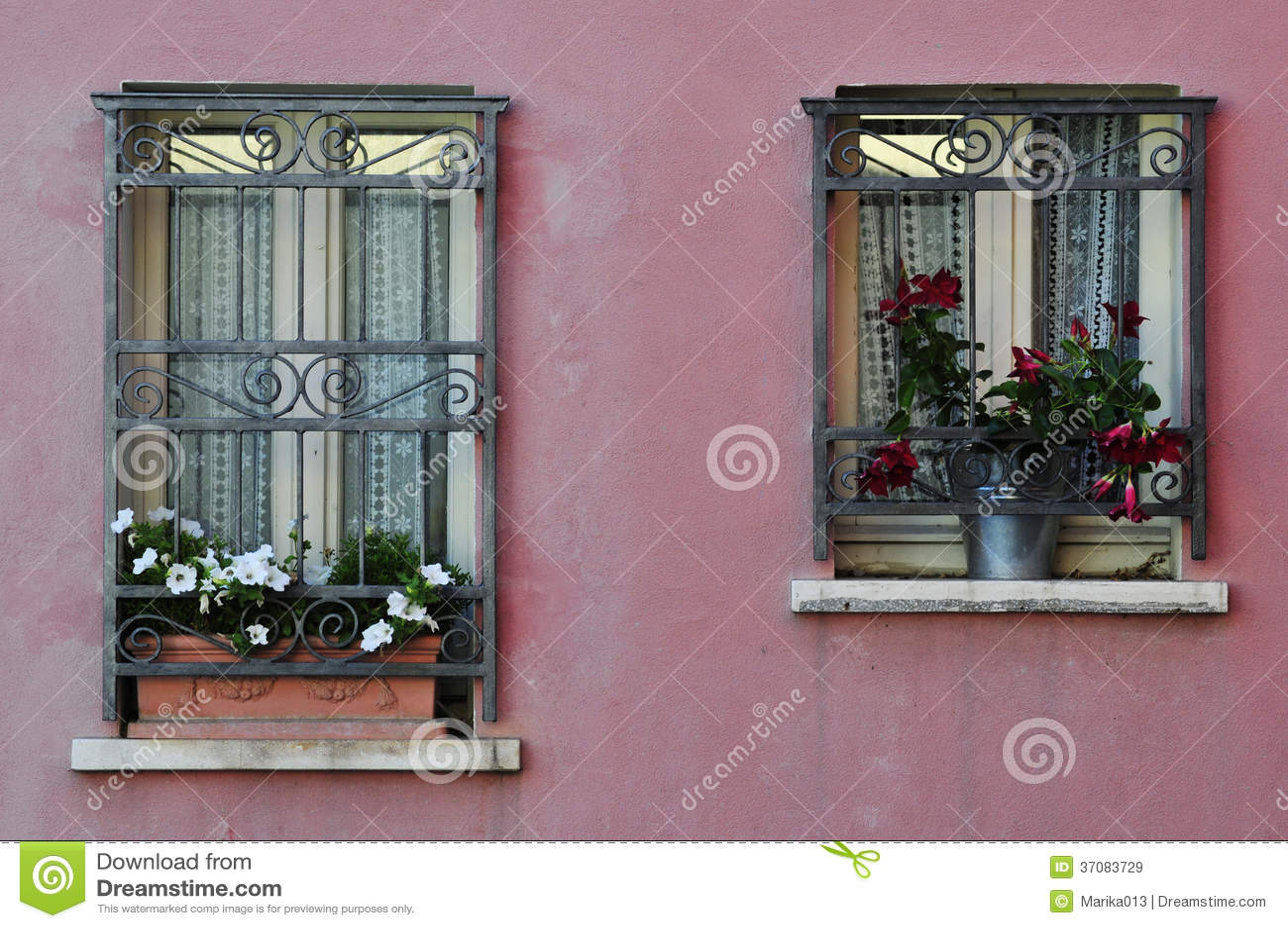 Download Windows obraz stock. Obraz złożonej z mieszkanowie, geometryczny - 37083729