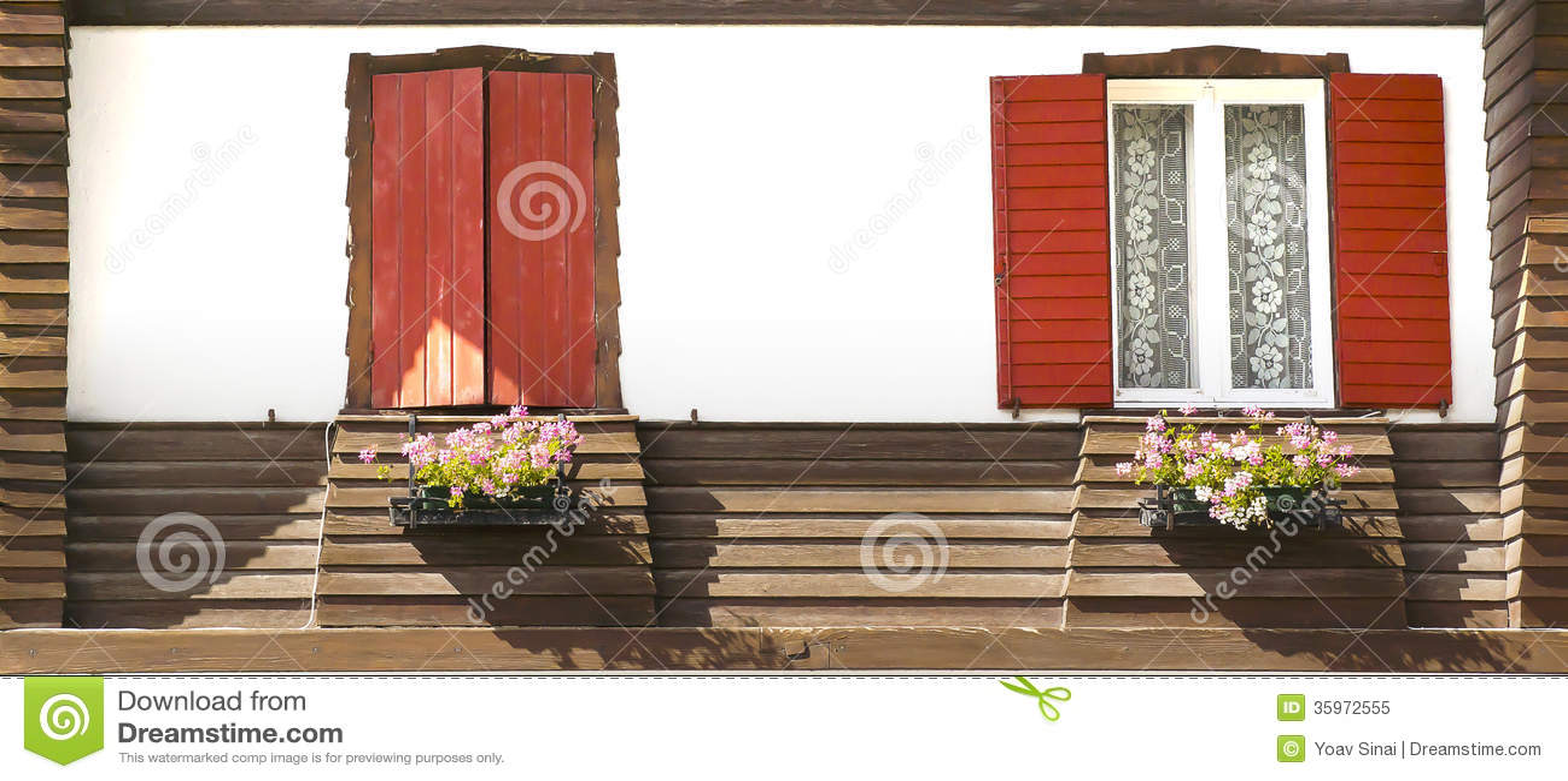 Windows con las flores, Misurina, Italia