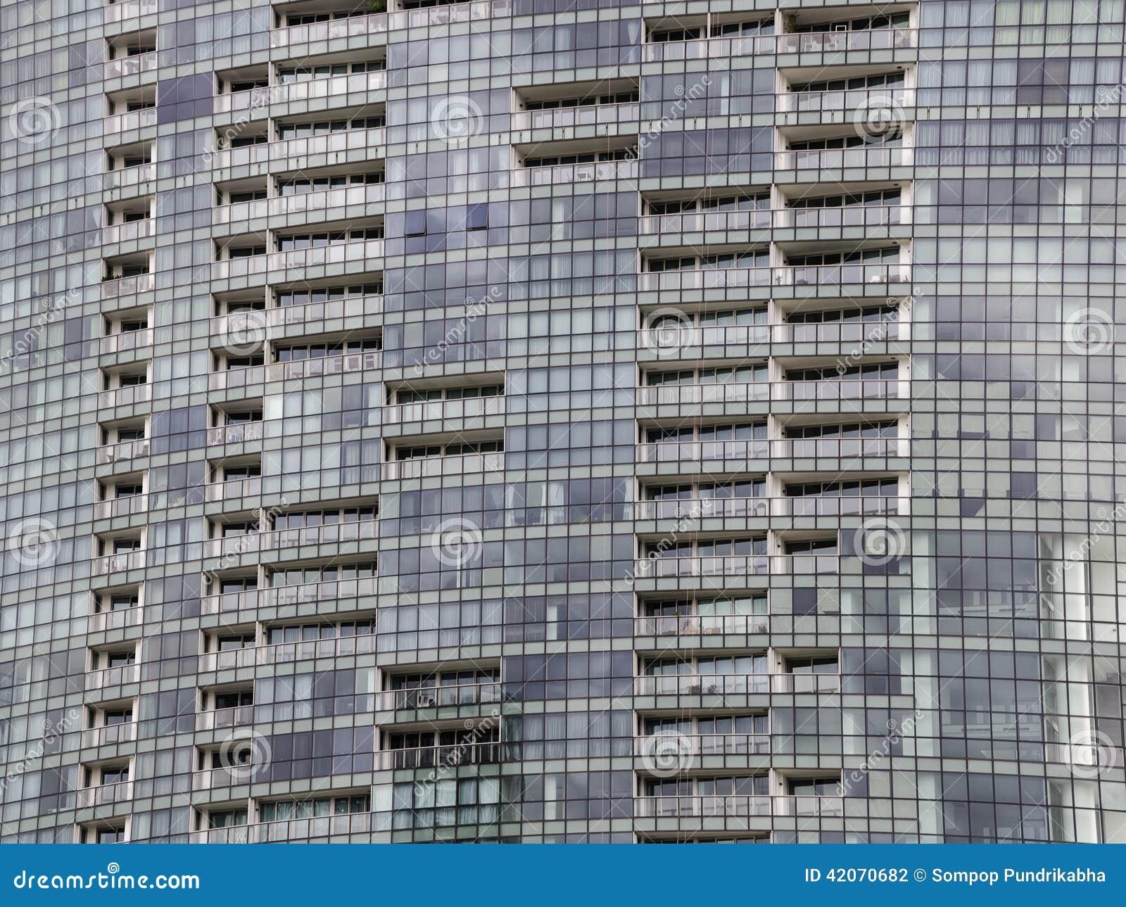 Windows des immeubles de bureaux à l arrière plan photo stock