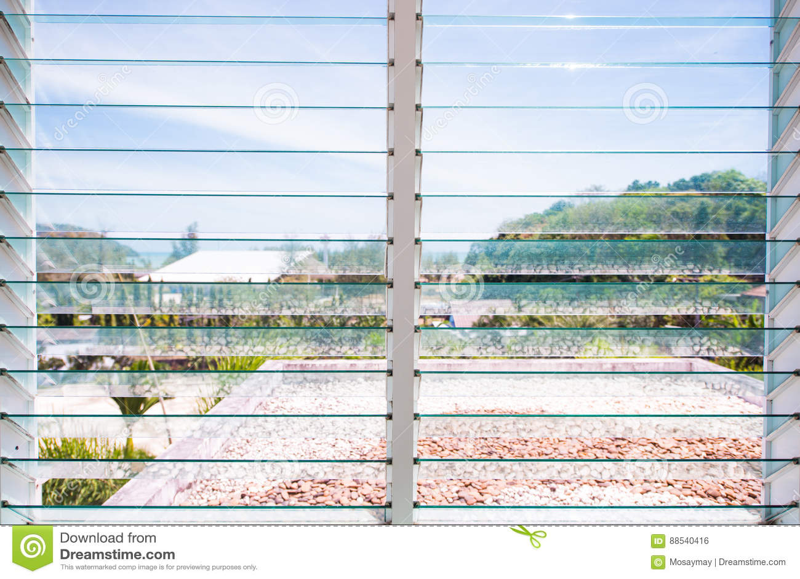Windows szkła żaluzja w domu