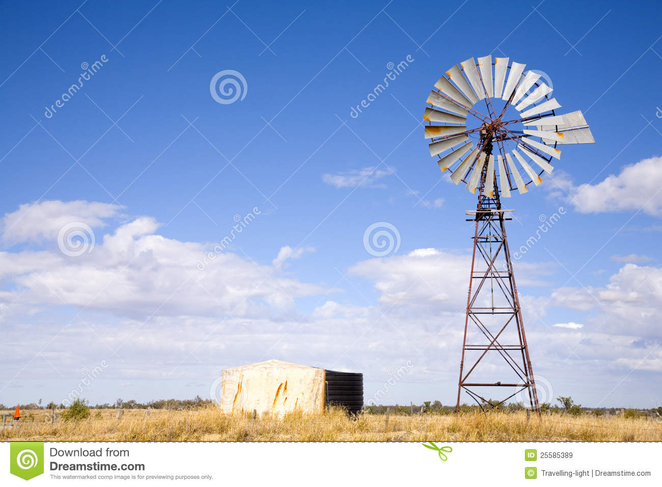 Windpump In Outback Australia Royalty Free Stock Images
