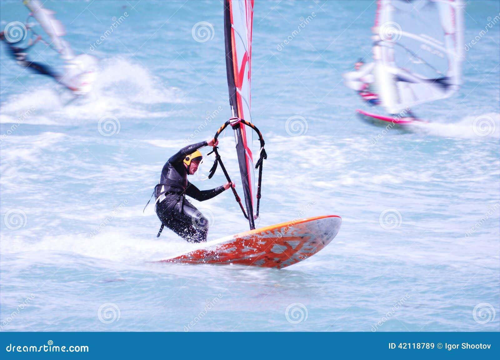 Windsurfing na plaży