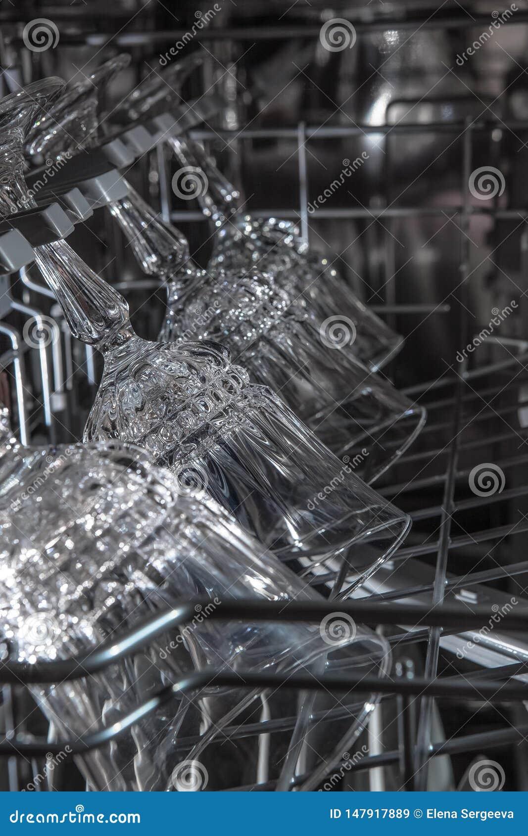 Wineglasses στο πλυντήριο πιάτων