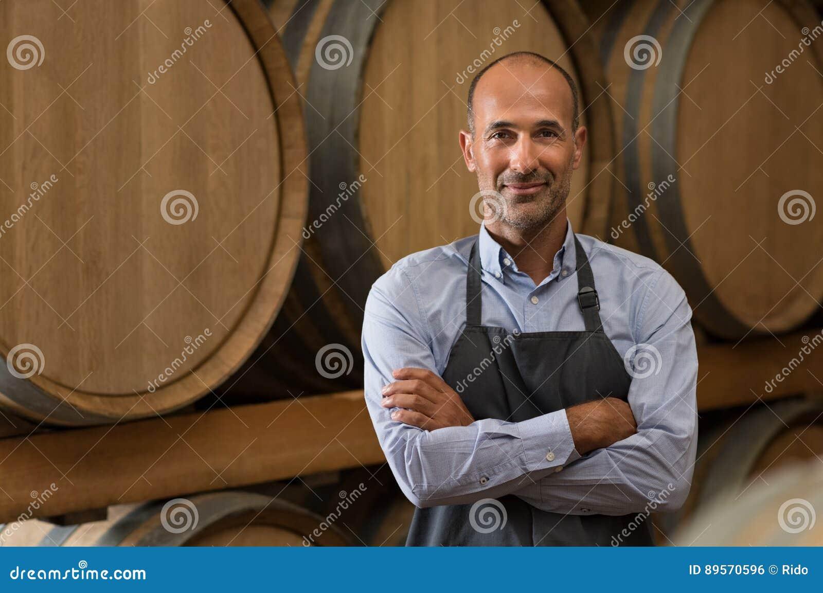 Winemaker dans la cave