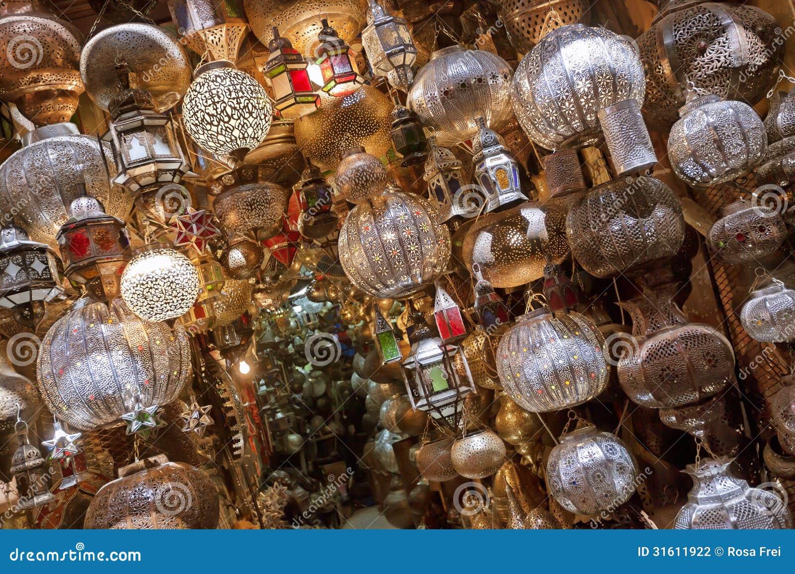 winkel met traitional marokkaanse en arabische lampen stock fotografie afbeelding 31611922. Black Bedroom Furniture Sets. Home Design Ideas
