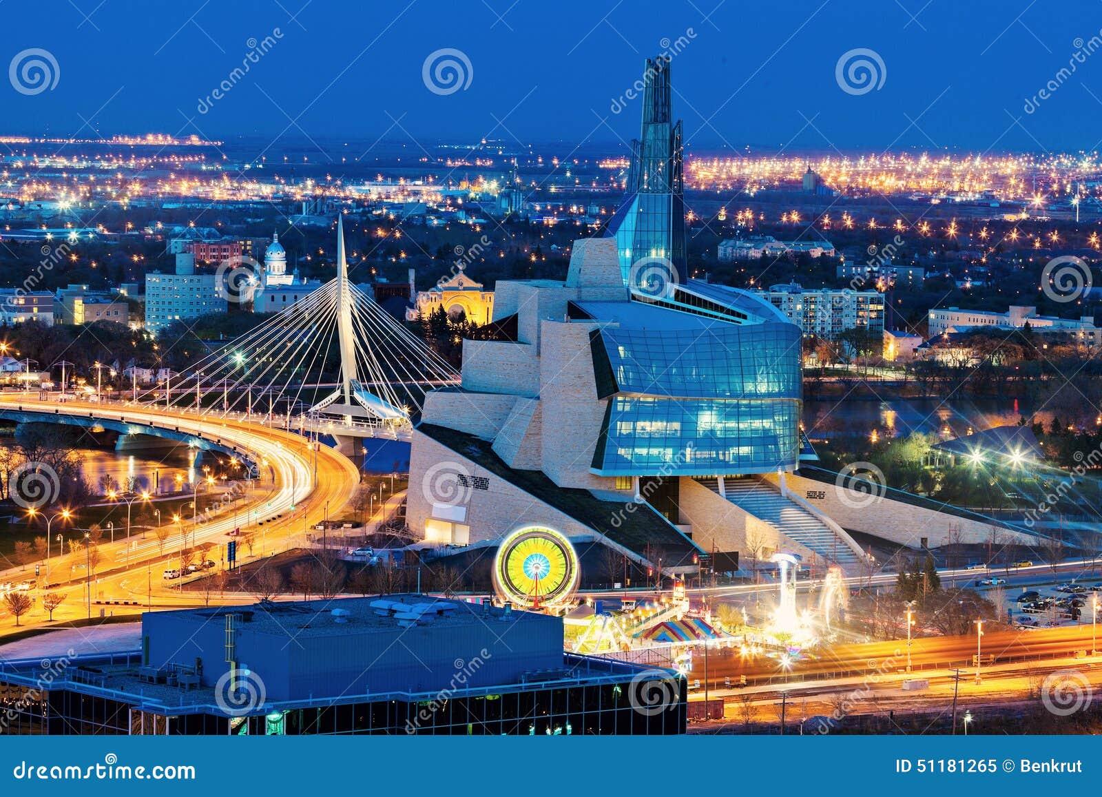 Winnipeg panorama przy zmierzchem