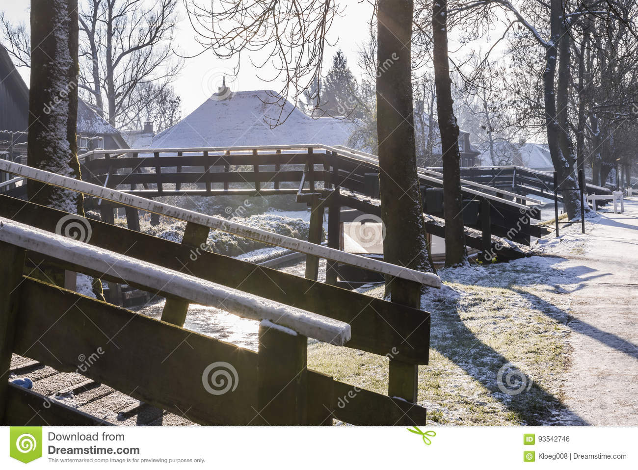Winter Bridges In Giethoorn Stock Photo Image Of Traditional Roof