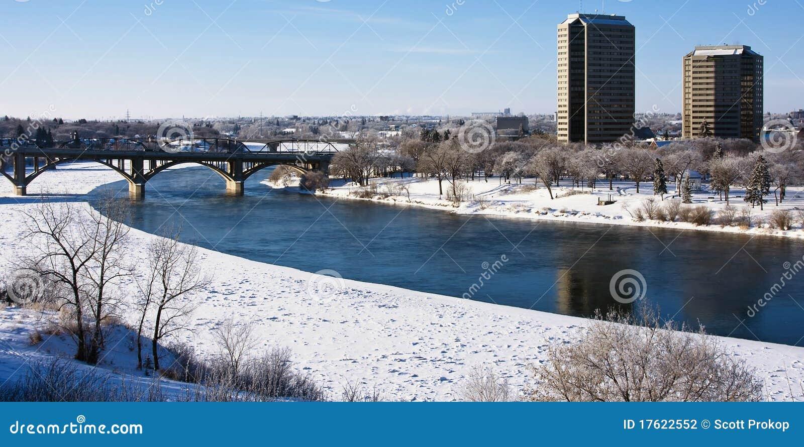 Und architektur an einem eisigen wintertag in saskatoon, kanada