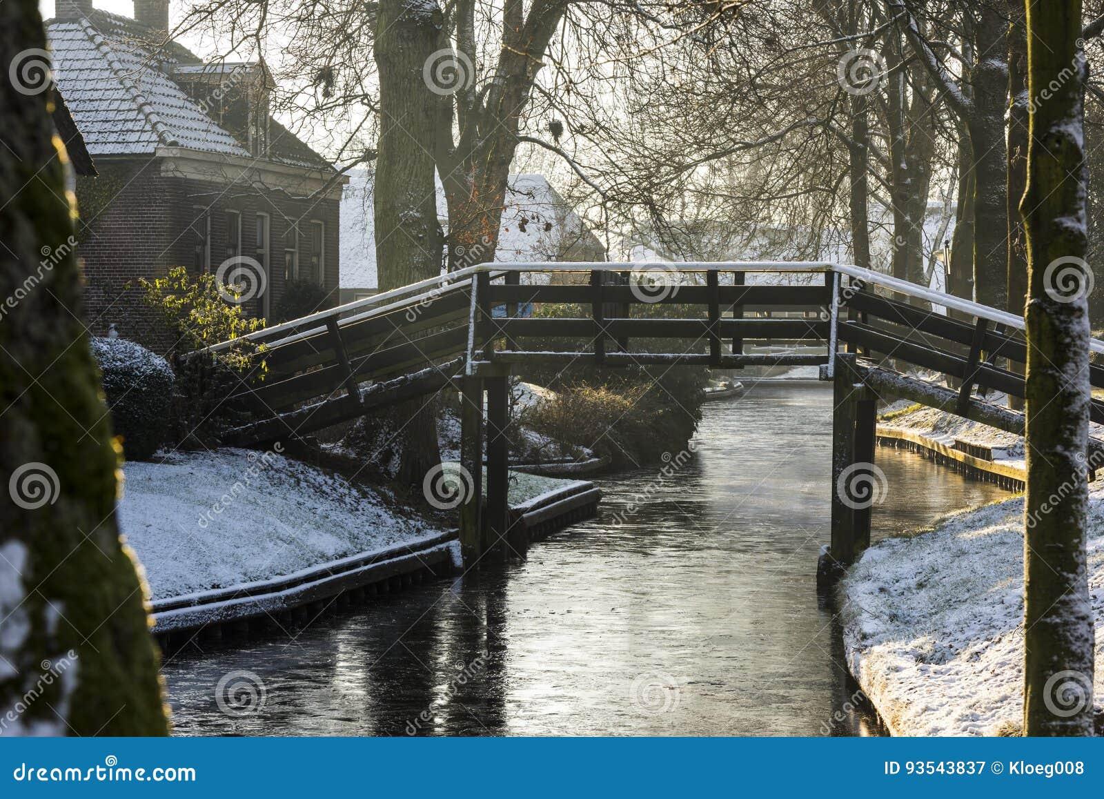 Winter In Giethoorn Stock Image Image Of Scene Roof 93543837