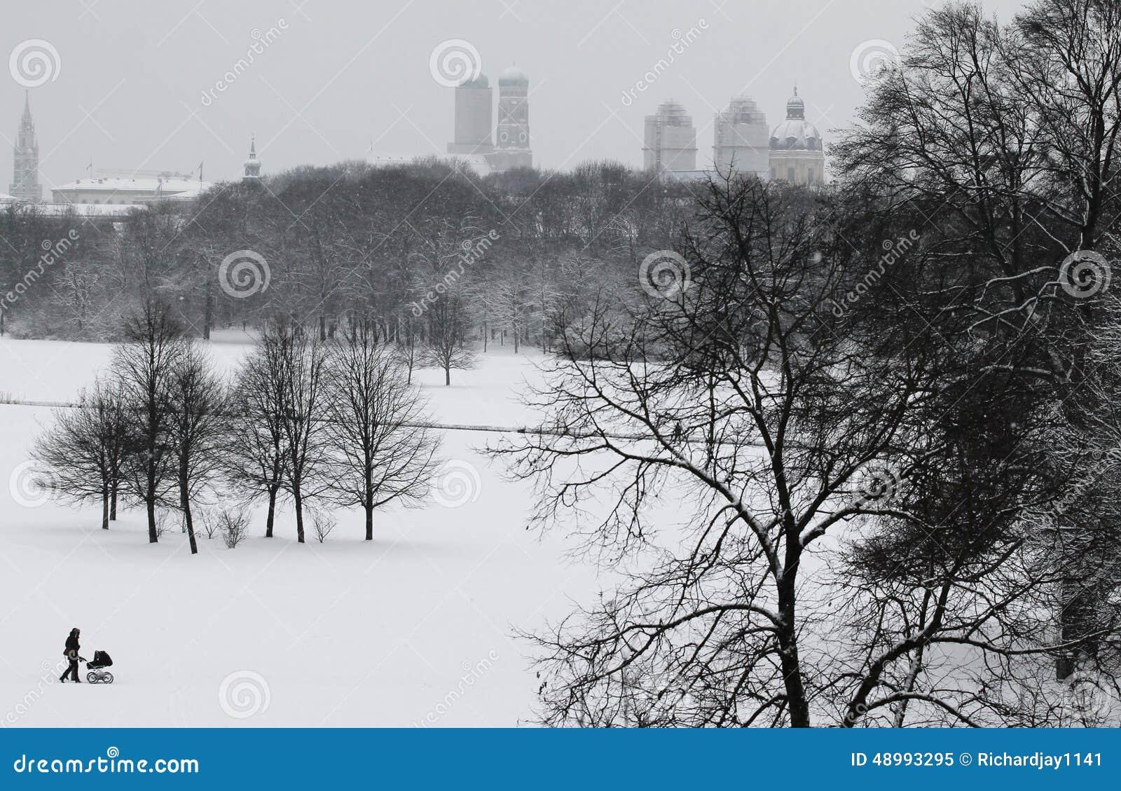 Winter Im Englischen Garten Munchen Stockbild Bild Von Szenisch