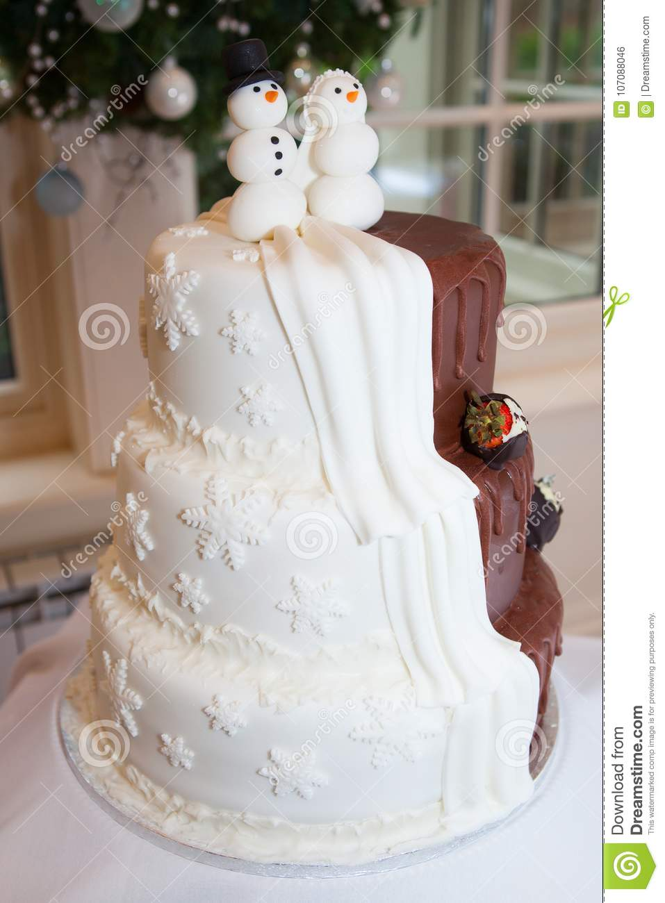 A Winter Themed Wedding Cake Stock Photo - Image of themed ...
