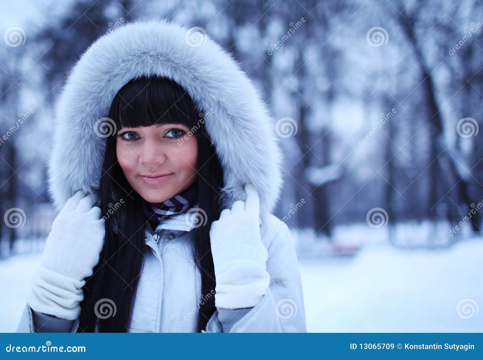 Студентка в парке 19 фотография