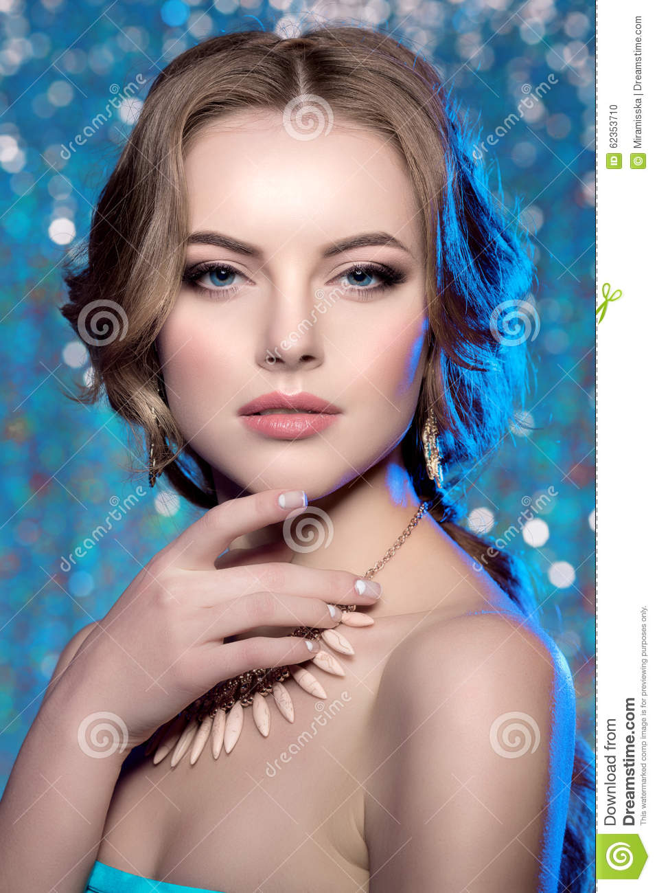 Winter Woman Model Gorgeous Beauty Makeup Stylish Hairstyle You Stock Photo Image 62353710