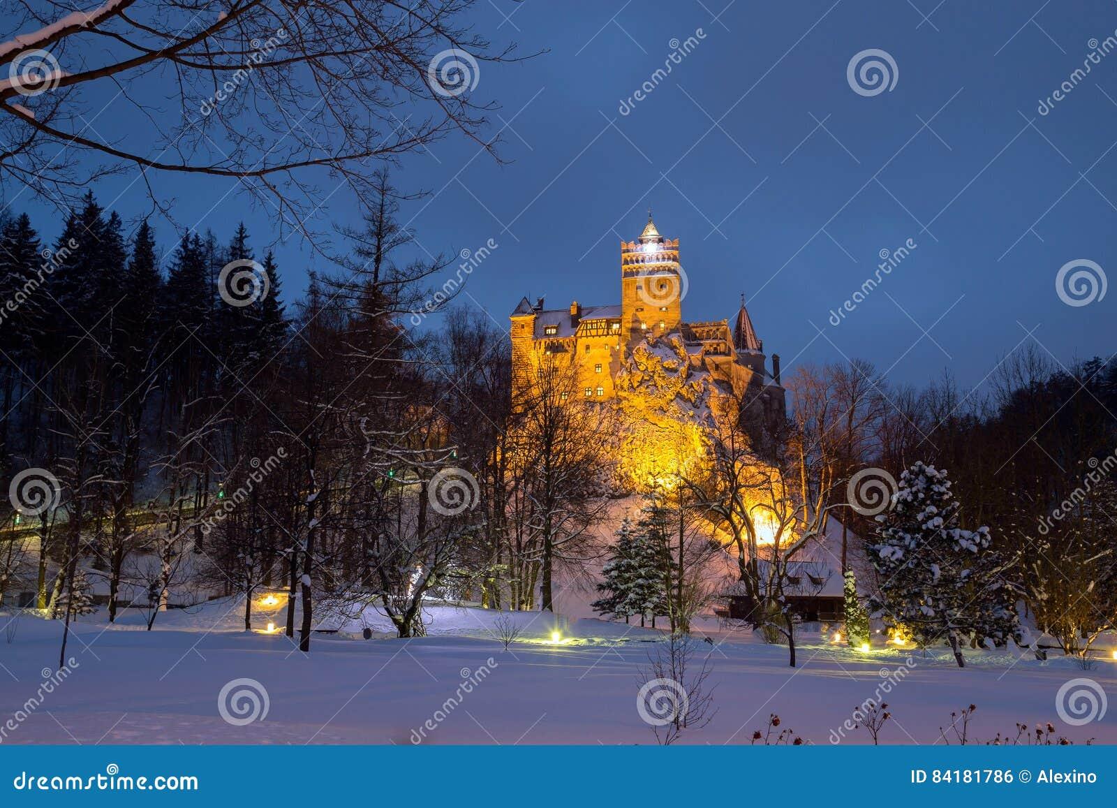 Winteransicht des Kleieschlosses, alias Dracula-` s des Schlosses
