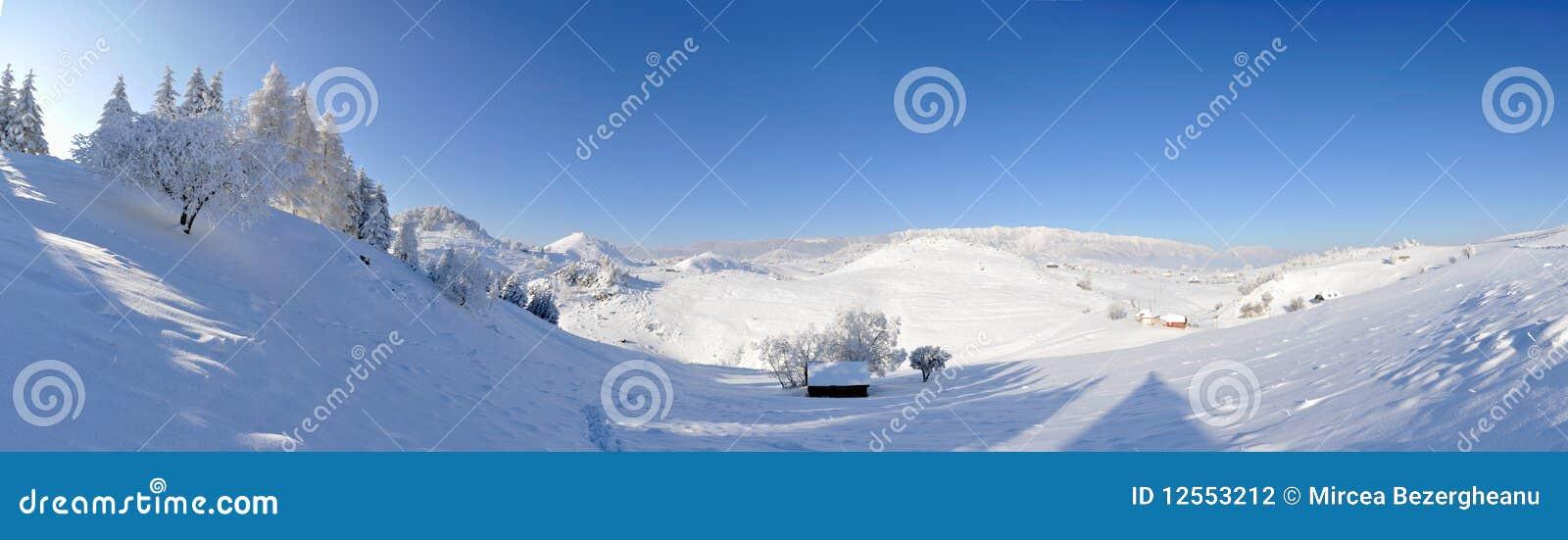 Winterlandschaft - panoramische Ansicht