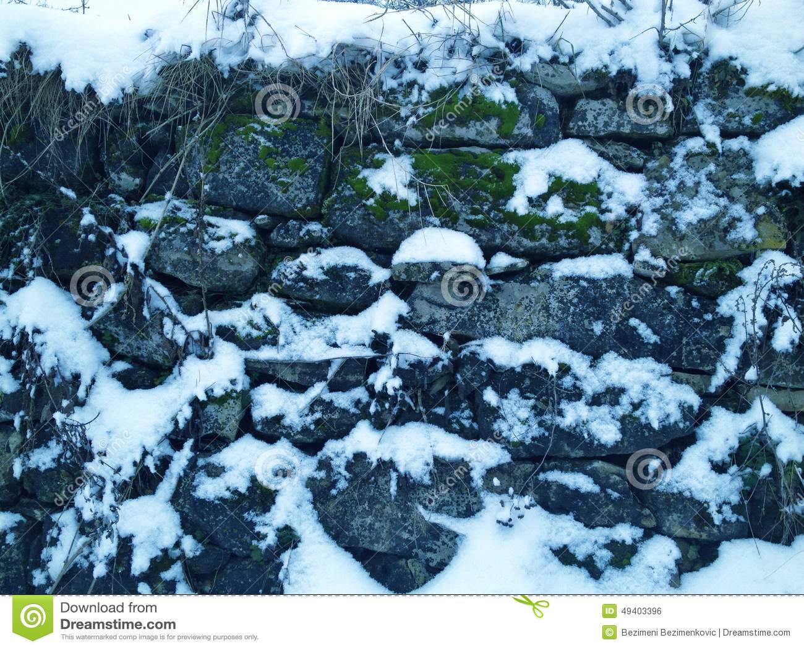 Download Winterumwelt stockfoto. Bild von alpen, spitze, kalt - 49403396