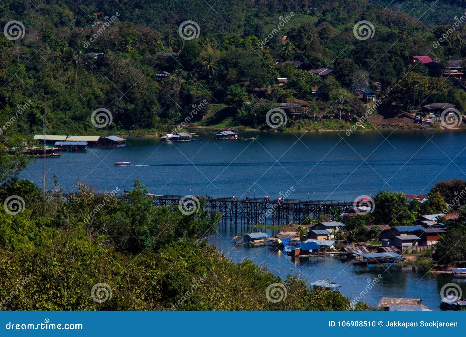 Wioski rzeka w sangkhlaburi