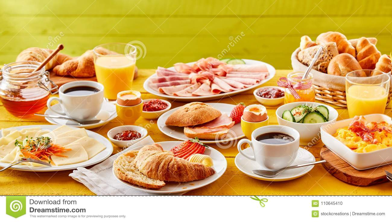 Wiosna śniadaniowy sztandar z wyborem foods