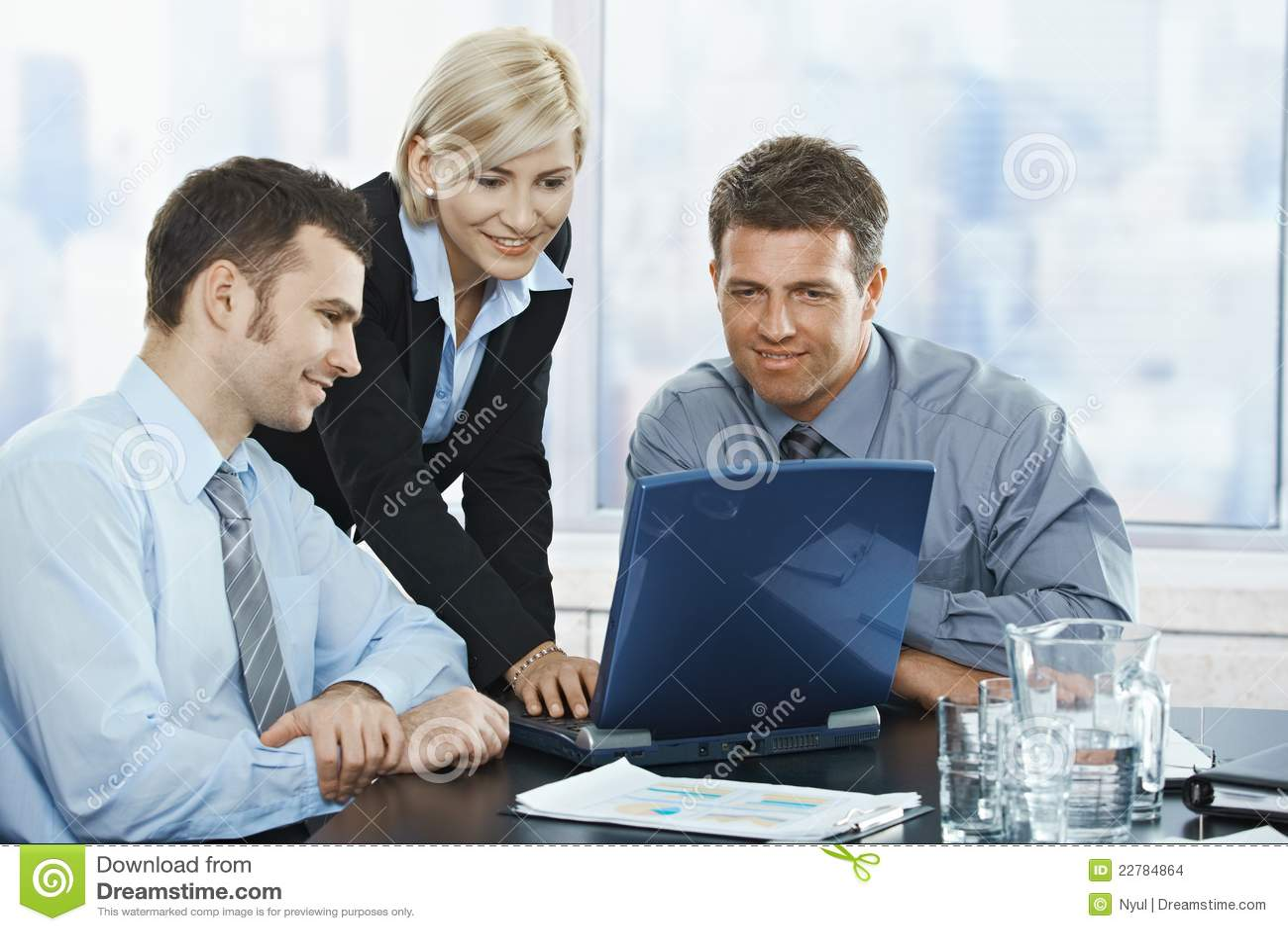 Wirtschaftler bei der Sitzung
