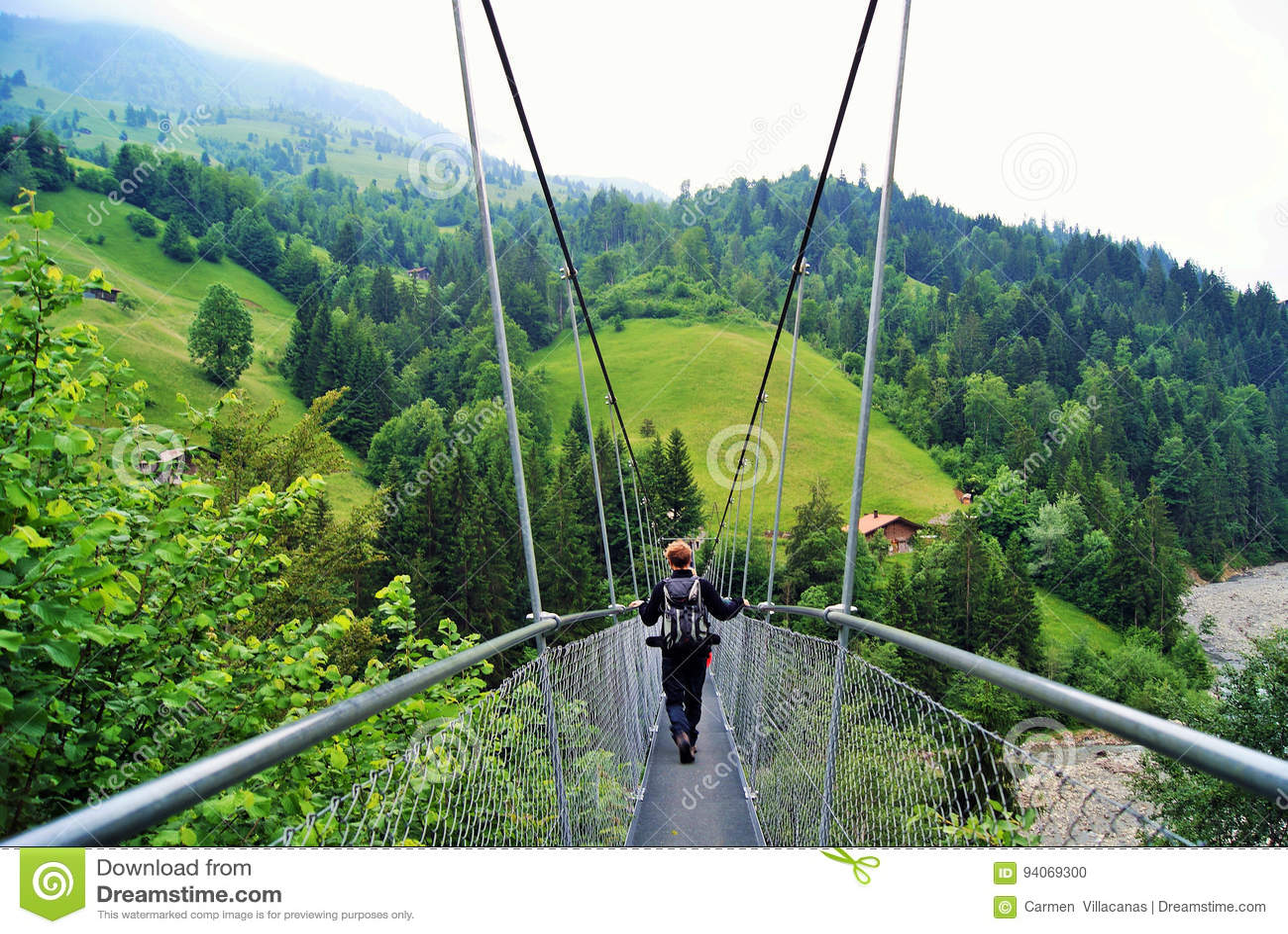 Wiszący most - Hängebrà ¼ gg