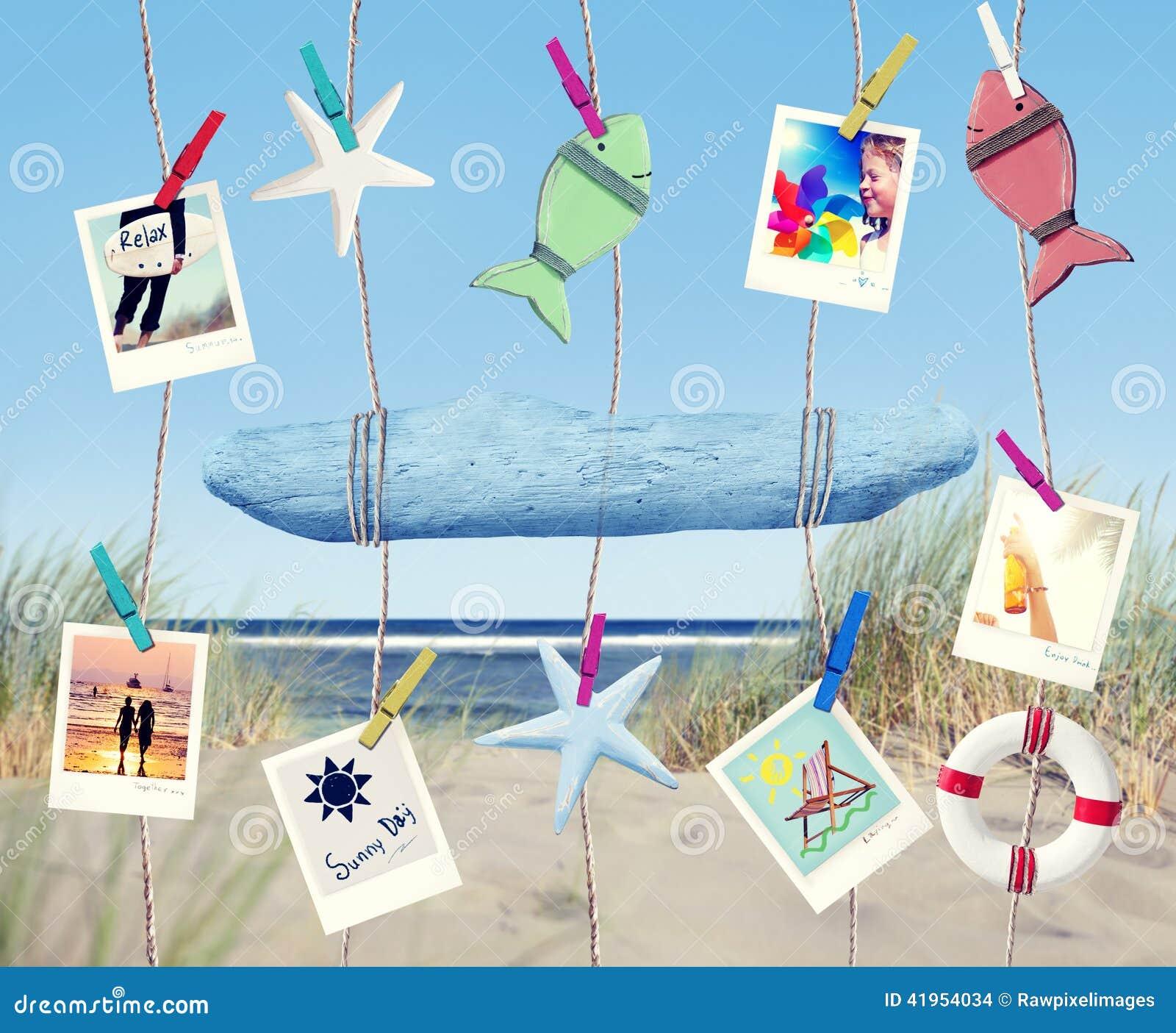 Wiszący Opróżnia znaka i lato Protestuje na plaży
