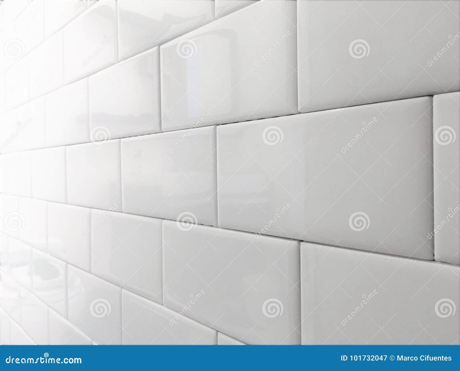 Metro Tegel Wit : Wit de metropatroon van tegelbacksplash stock afbeelding