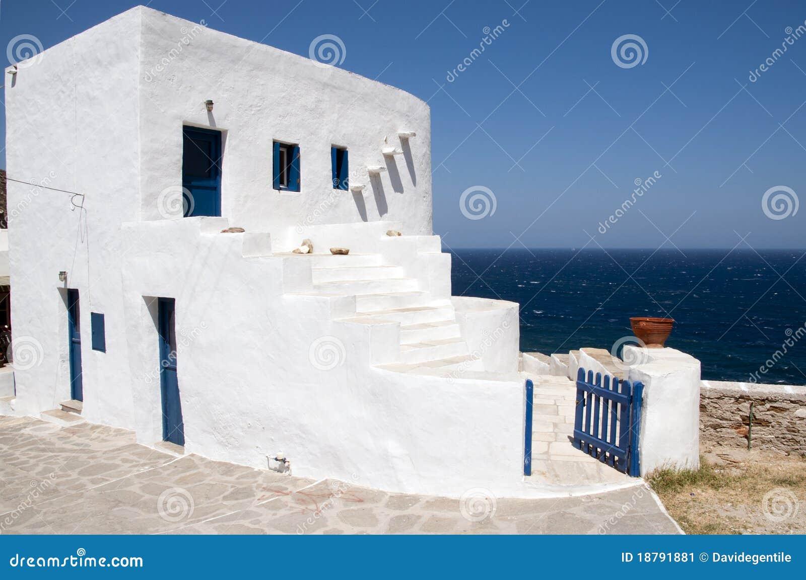 Wit huis in het griekse paradijs in sifnos stock afbeelding afbeelding 18791881 - Foto huis in l ...