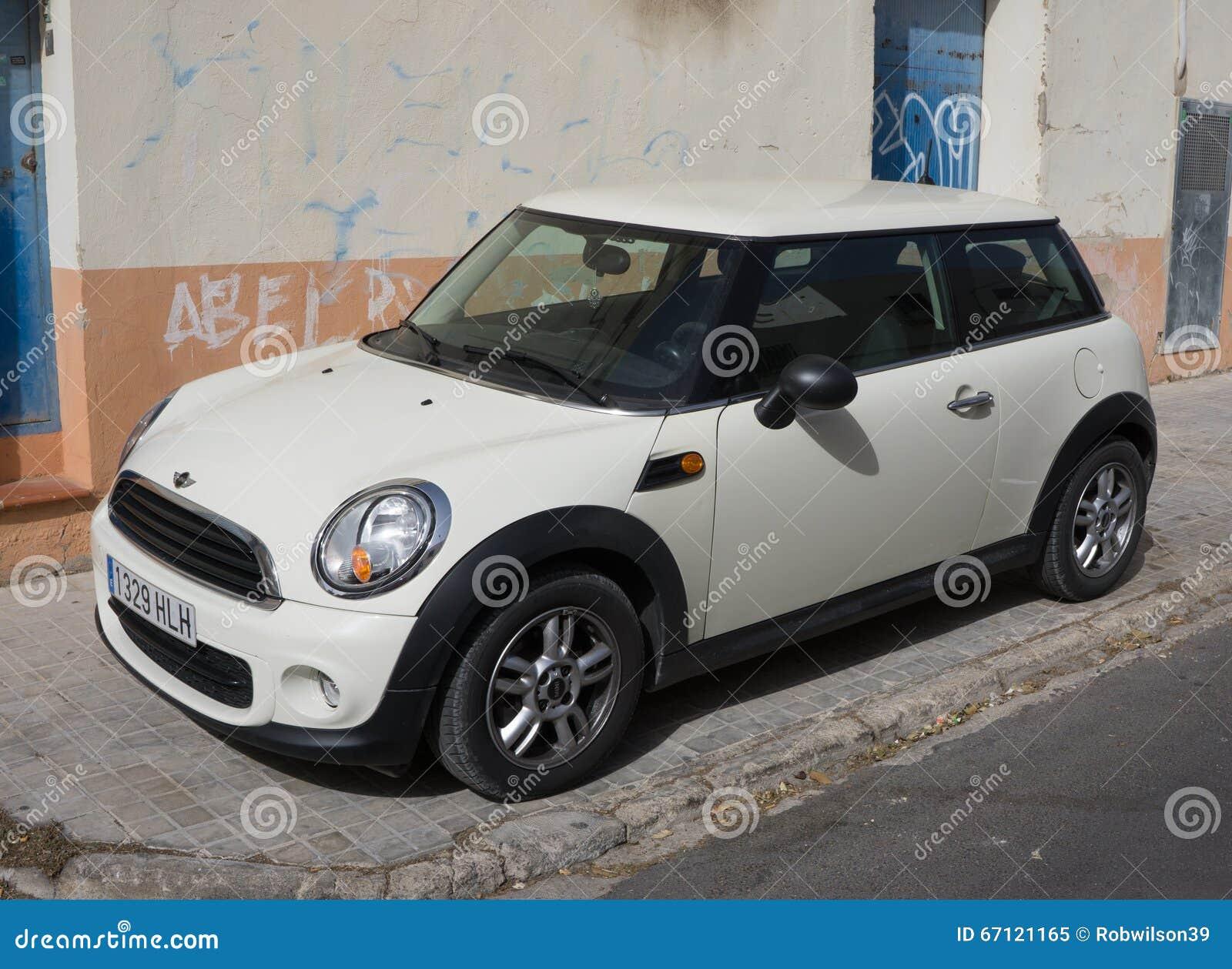 Verwonderend Wit Mini Cooper Car redactionele afbeelding. Afbeelding bestaande VH-86