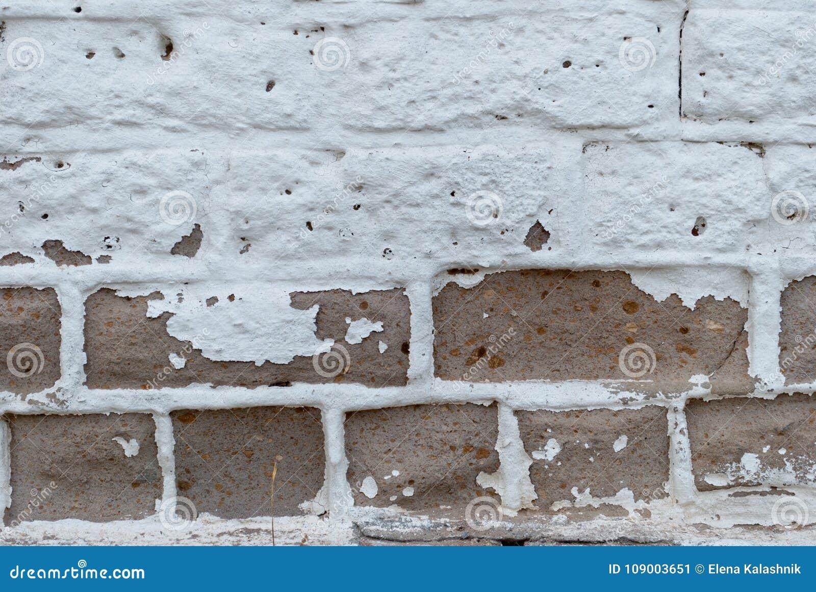 Stenen Muur Verven : Witte bruine bakstenen muur verf barsten oude achtergrond