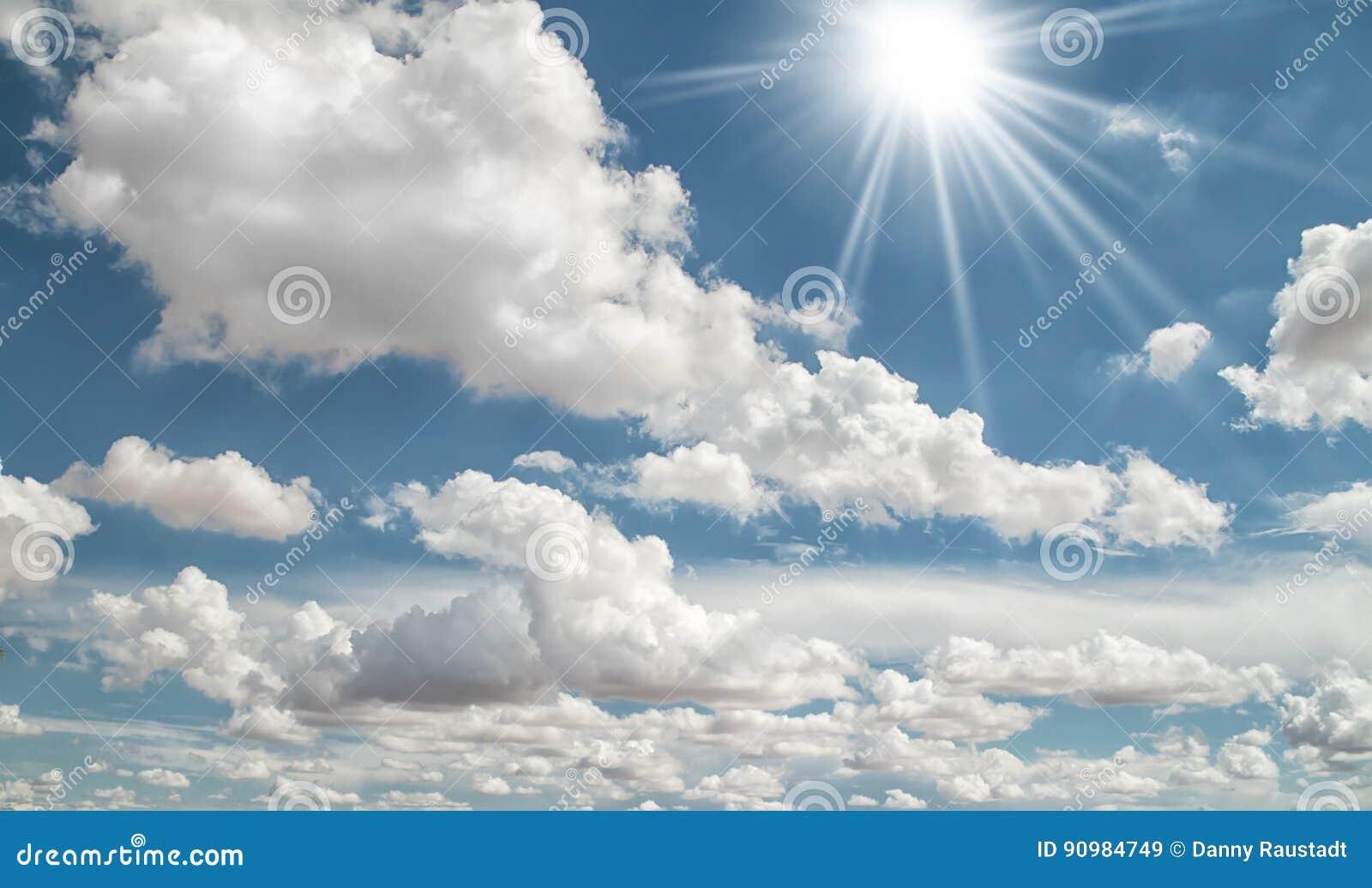 Witte de Zomerwolken in de Hemel