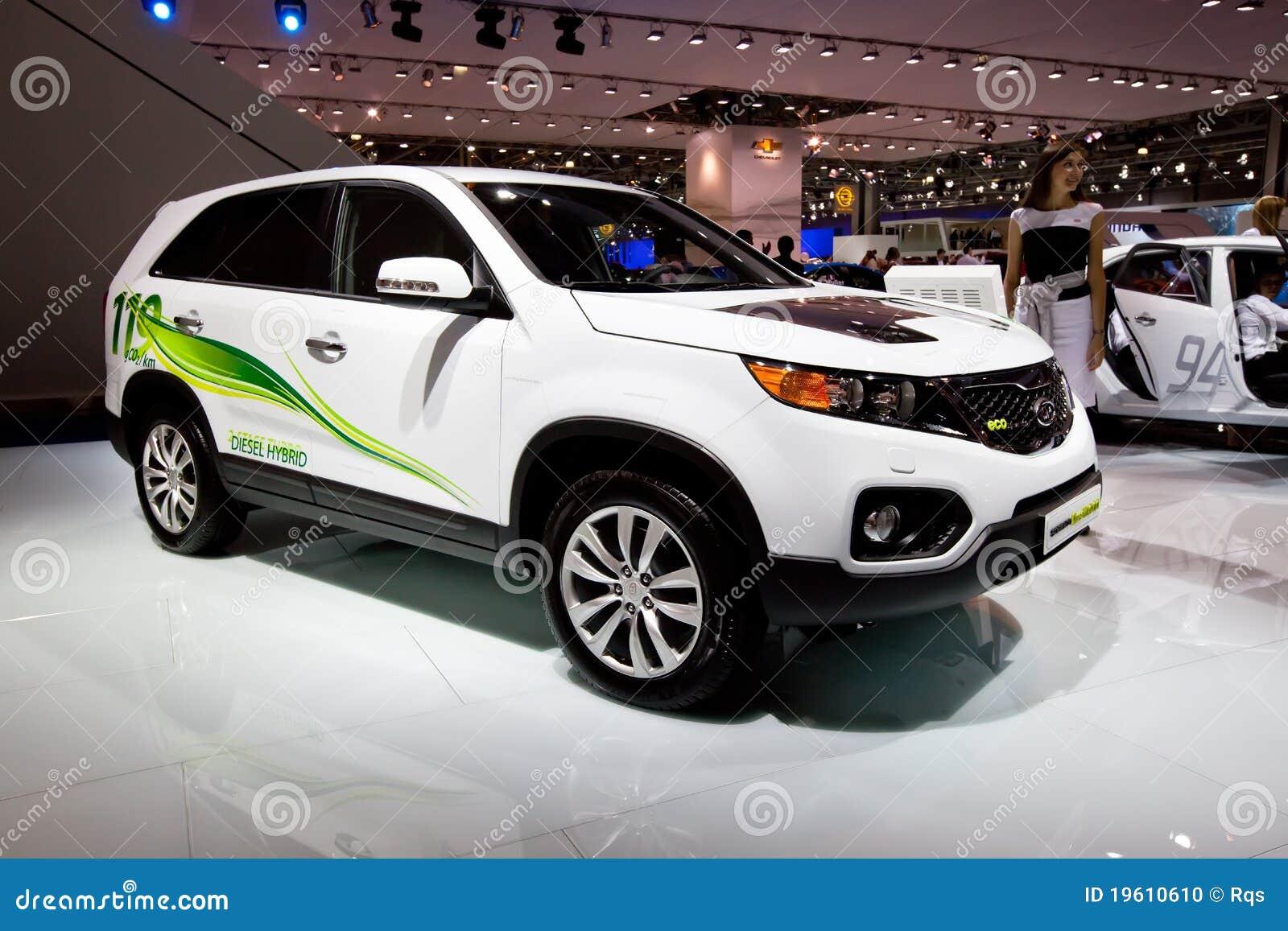 Witte Elektrische Auto Kia Sorento Redactionele Afbeelding