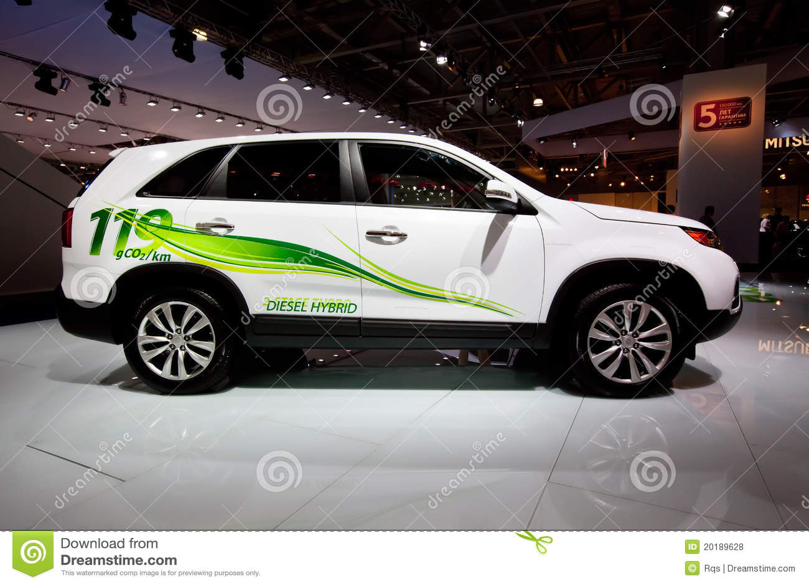 Witte Elektrische Auto Kia Sorento Redactionele Stock Foto