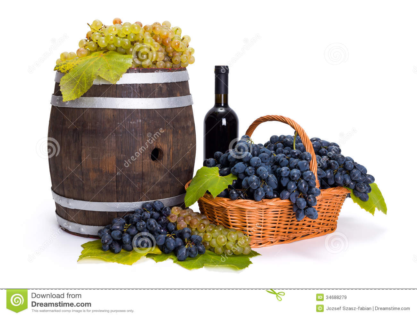 Witte en blauwe druif in mand met vat