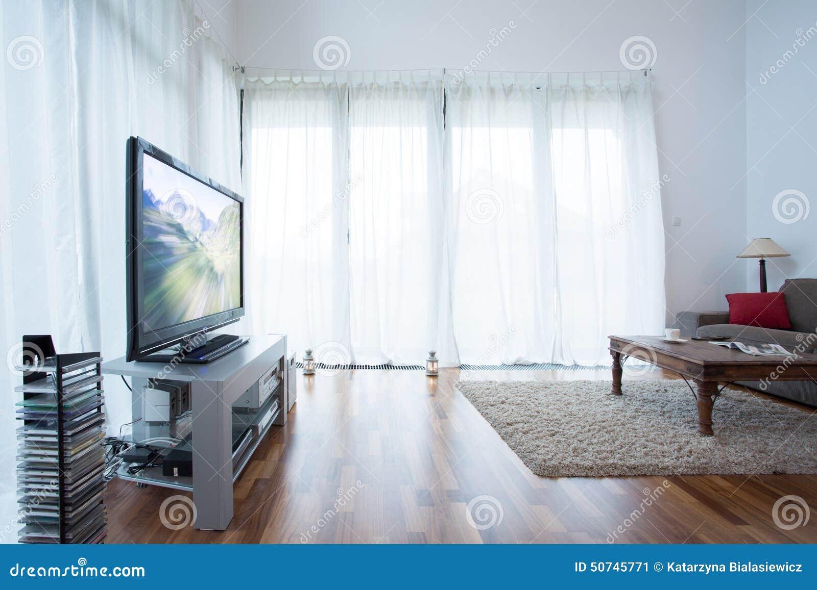 witte gordijnen in woonkamer stock afbeelding afbeelding