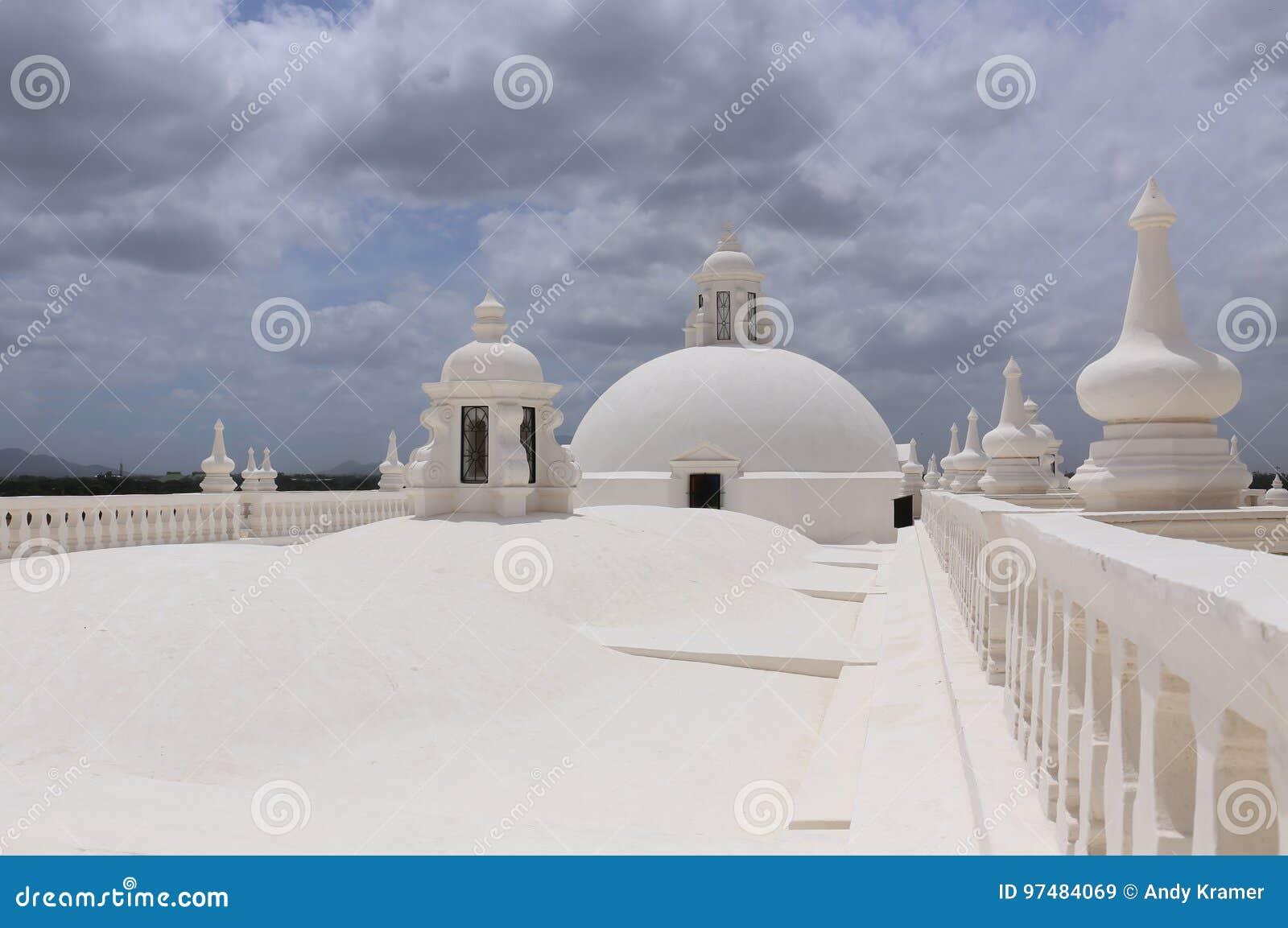 Witte Kathedraal in Leon, Nicaragua