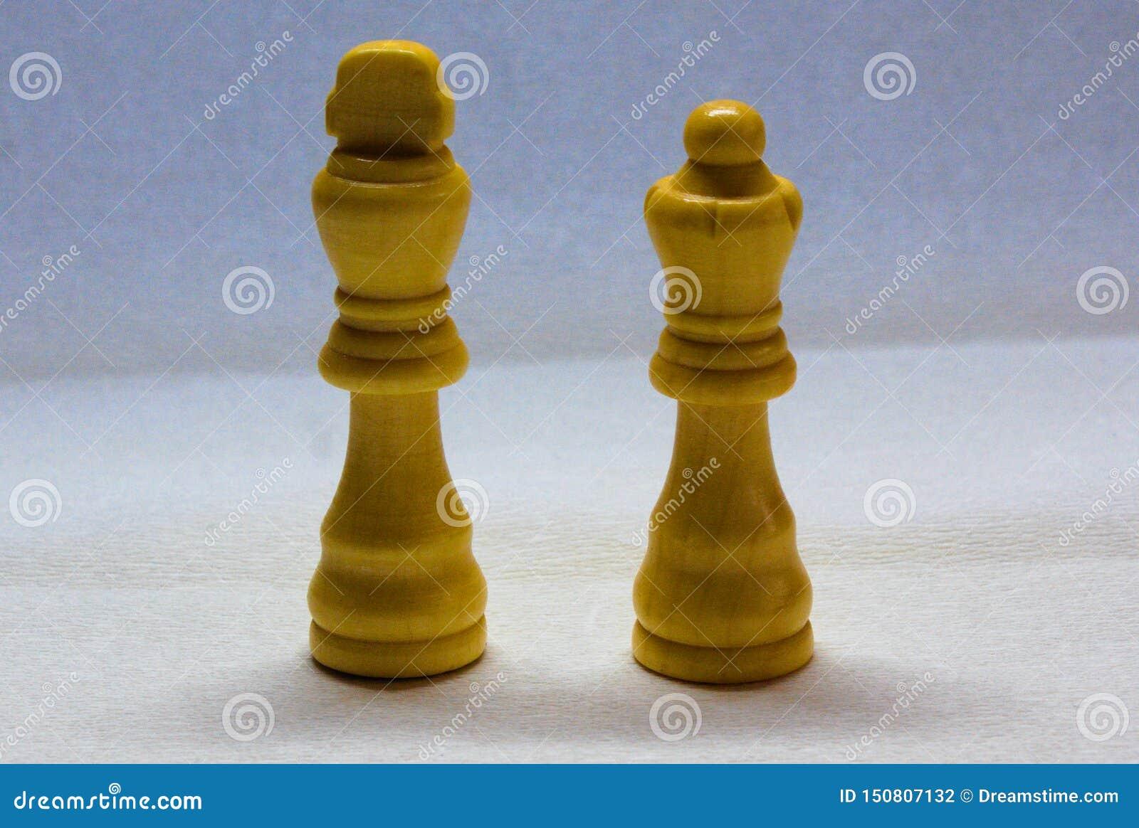 Witte koning en koninginschaakstukken