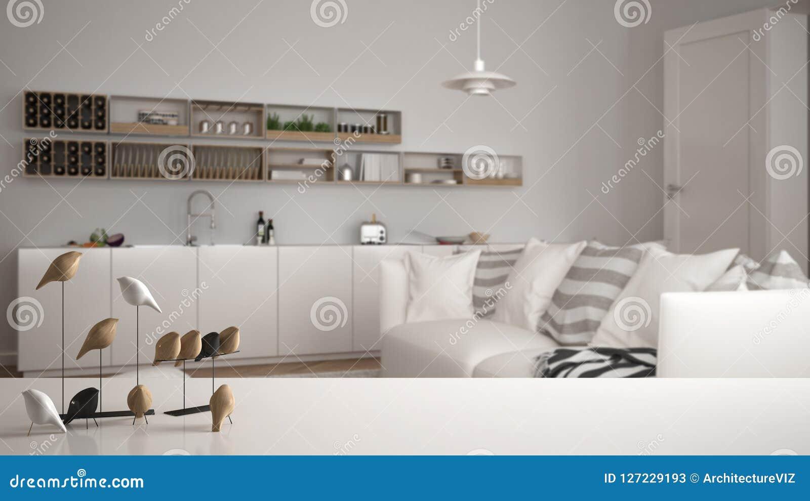 Witte lijstbovenkant of plank met minimalistic vogelornament, vogeltje knick - handigheid over vage eigentijdse woonkamer
