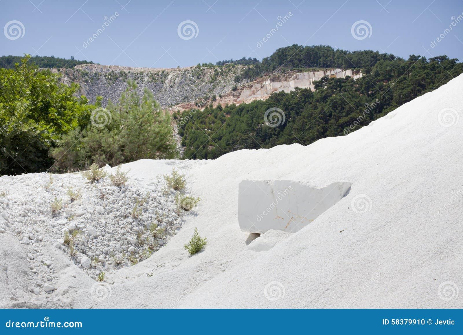 Witte marmeren steengroeve