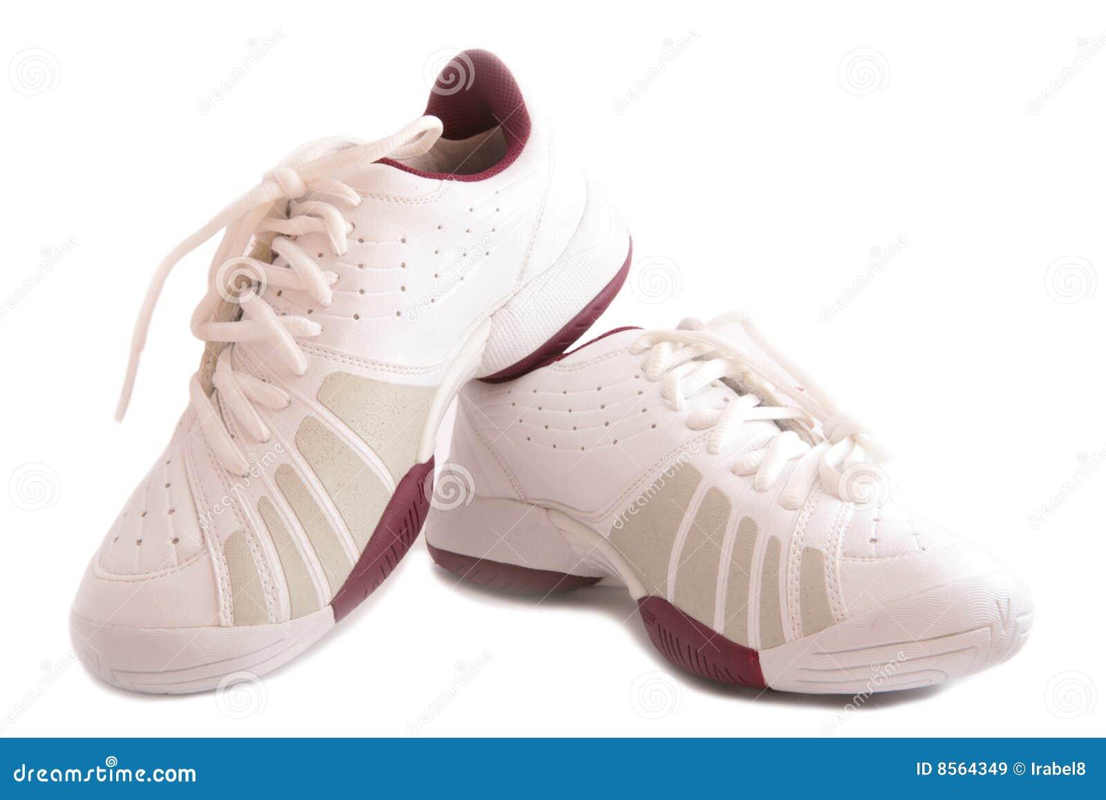 Witte sportschoenen