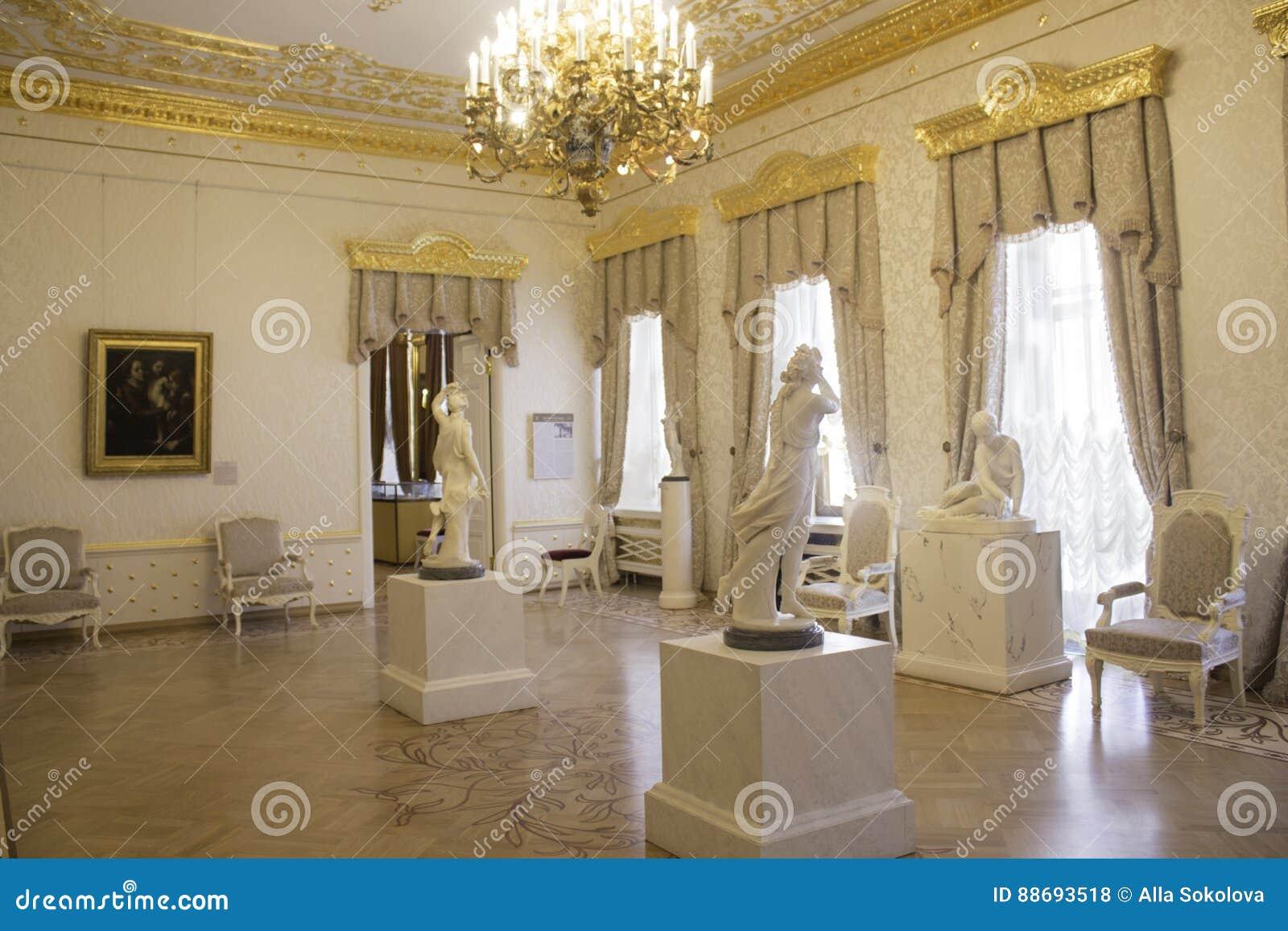 Witte Woonkamer Bij Het Sheremetyev-Paleis Redactionele Stock Foto ...
